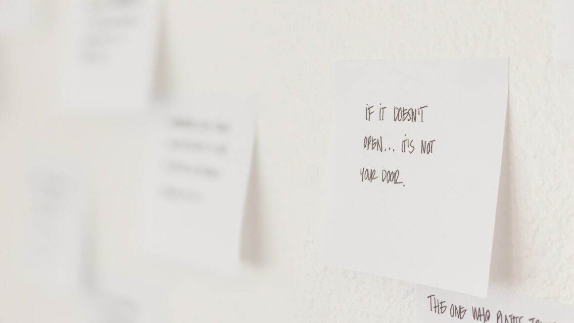 California studio apartment tour - Quote wall